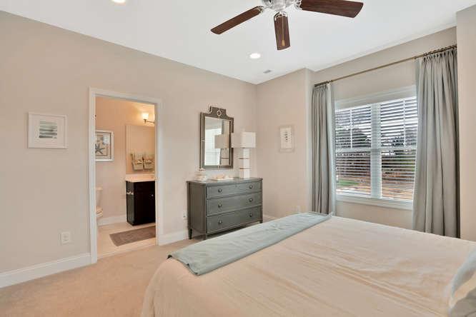 5239 Bedford Falls Circle Glen-small-024-37-Bedroom En suite-666x444-72dpi