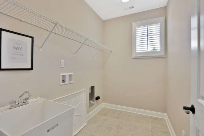 5239 Bedford Falls Circle Glen-small-027-24-Laundry Room-666x444-72dpi