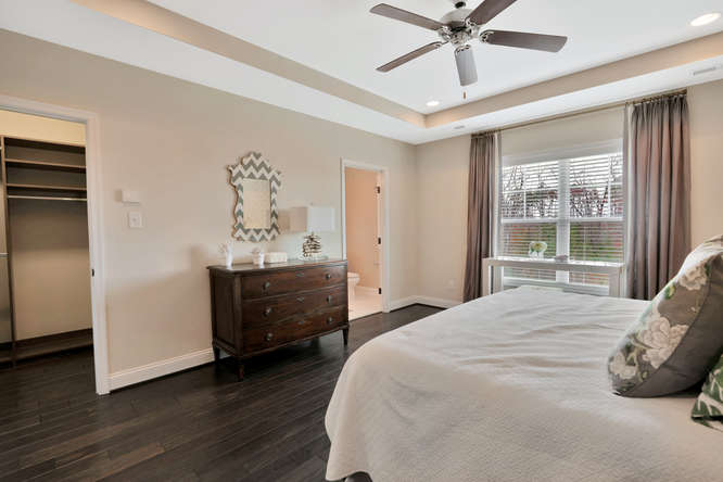 5239 Bedford Falls Circle Glen-small-029-18-Master Bedroom-666x444-72dpi