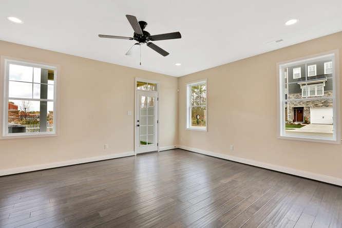 5255 Bedford Falls Circle Glen-small-004-25-Bedroom En suite-666x444-72dpi