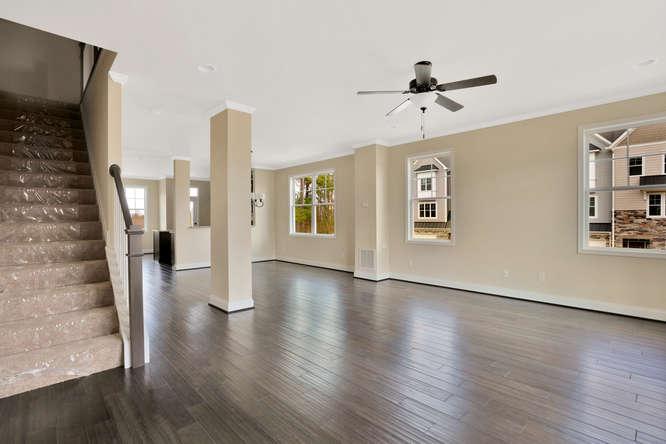 5255 Bedford Falls Circle Glen-small-008-22-Family Room-666x444-72dpi