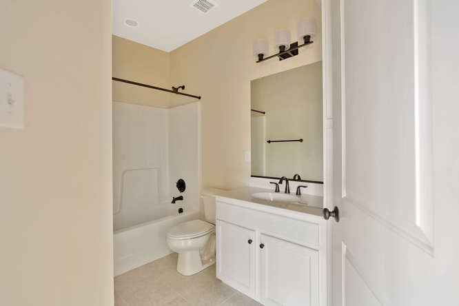 5255 Bedford Falls Circle Glen-small-020-1-Bathroom-666x444-72dpi