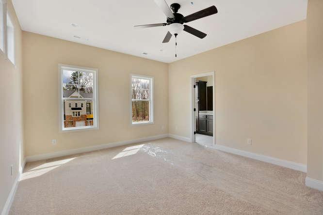 5255 Bedford Falls Circle Glen-small-022-5-Master Bedroom-666x444-72dpi