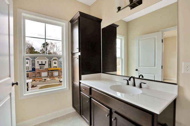 5255 Bedford Falls Circle Glen-small-024-23-Master Bath-666x444-72dpi