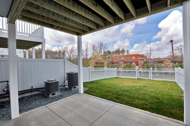 5255 Bedford Falls Circle Glen-small-026-27-Patio-666x443-72dpi